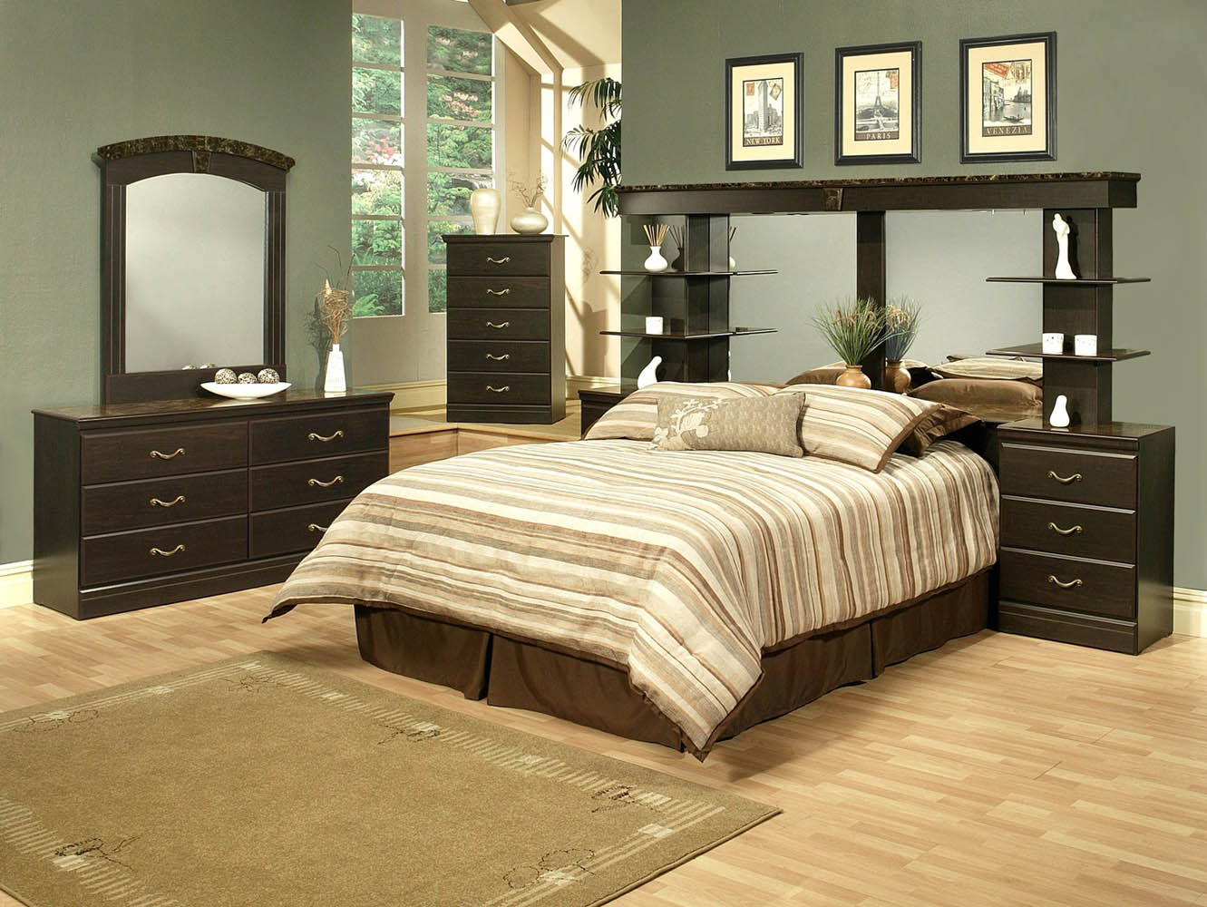 4 Piece Espresso Finish Queen Wall Unit Bedroom Set