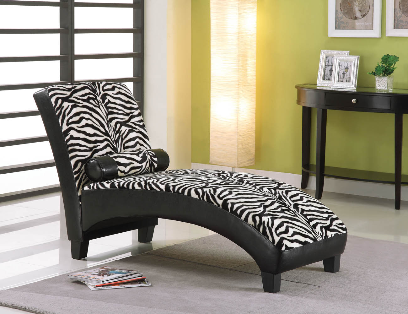 Zebra fabric black bicast lounge chaise for Chaise zebre