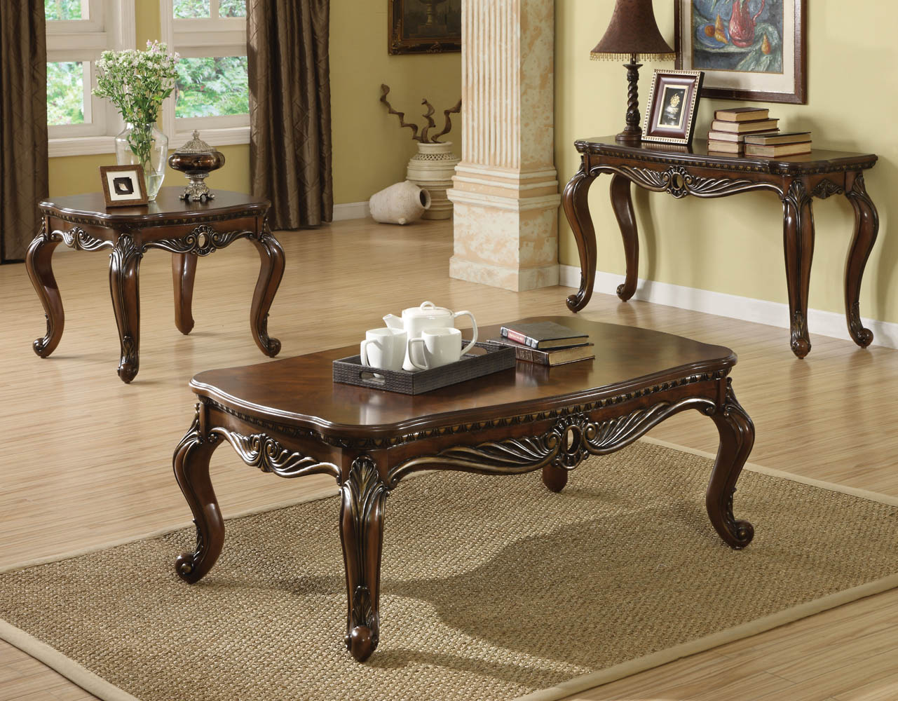 Brown Cherry Finish Antique Finish Coffee Table