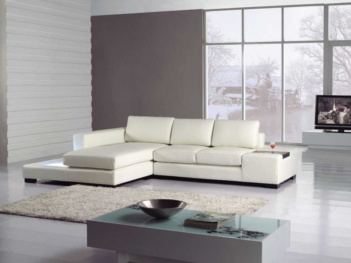 Picture of: White Modern Leather Sectional Sofa With Light