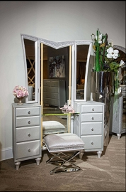 Aico Furniture Michael Amini Melrose Plaza Dove Vanity with Bench